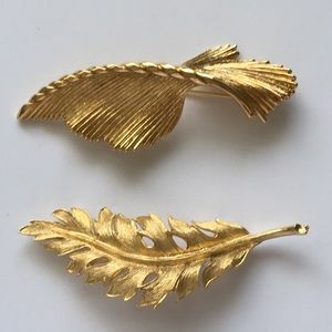Set of 2 Vintage Monet + Coro Feather Brooch Pins